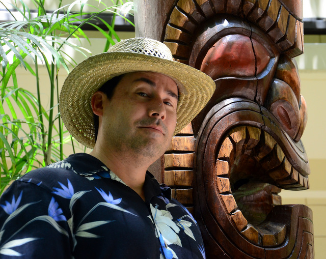 Rob hangs with a Giant TIki
